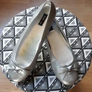 Style & Co. Silver Flats